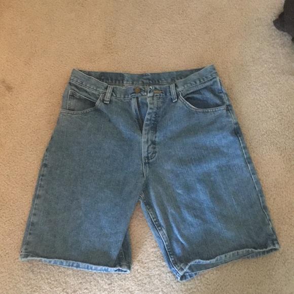 f6660a09 M_5b58b2d31b16dbca3afd93cf. Other Shorts you may like. Wrangler Black  Carpenter jean ...